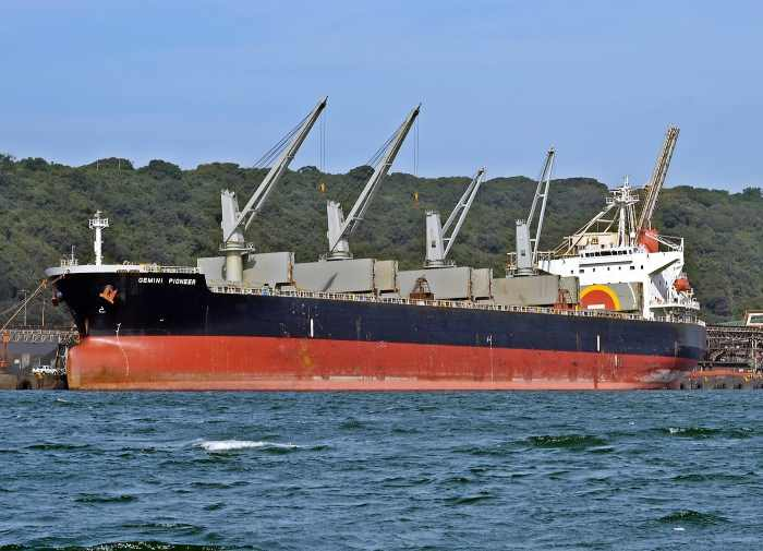 bulker Geminin Pioneer at Durban Bulk Connections