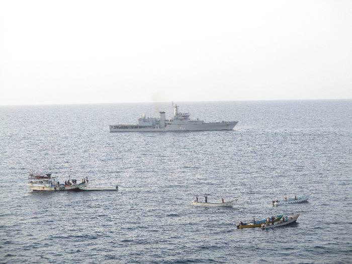 suspicious dhow and skiffs in Gulf of Aden