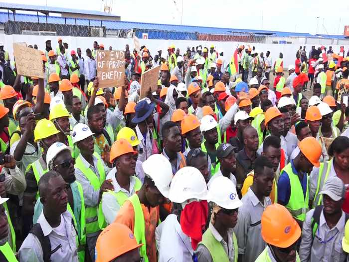 workers protesting at Tema