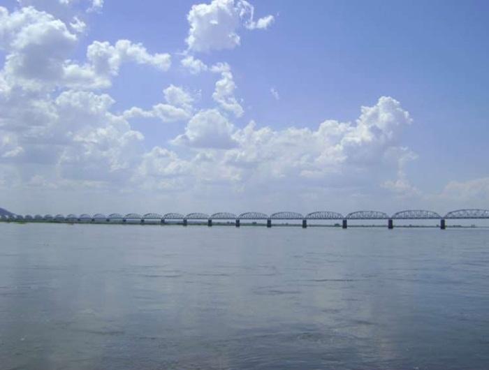Dona Ana Bridge over Zambezi, Tete Province