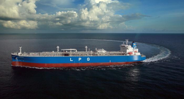 Petredec's LPG tanker MANIFESTO, in Africa PORTS & SHIPS maritime news