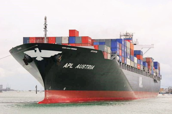 APL Austria appearing at Durban, in Africa PORTS & SHIPS maritime news