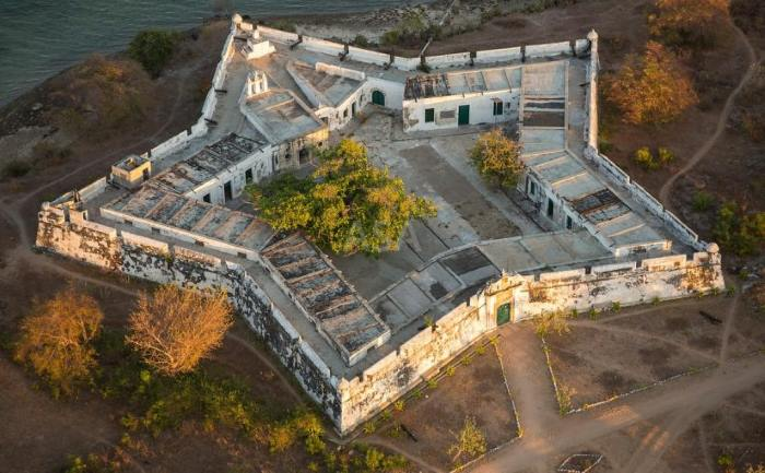 São João Baptista fortress on Ibo Island. Picture: courtesy Divianarts.com, appearing in Africa PORTS & SHIPS maritime news