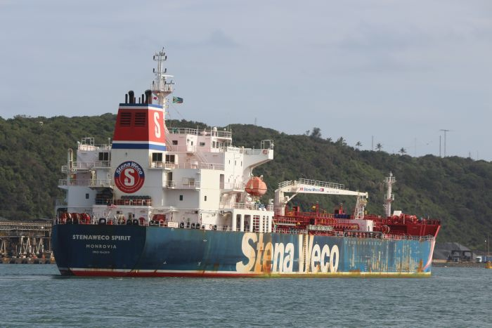 Stenaweco Spirit arrivng at Durban, October 2017. Pictures: Keith Betts, appearing in Africa PORTS & SHIPS maritime news