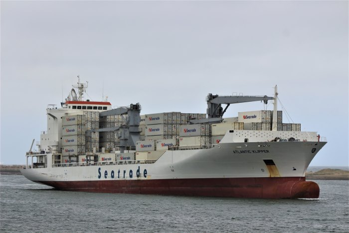 Atlantic Klipper arriving in Durban. Picture: Keith Betts, appearingin Africa PORTS & SHIPS maritime news