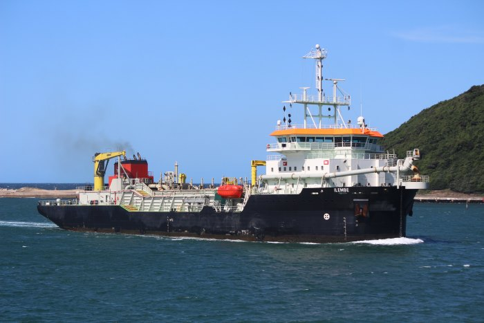 TNPA's Durban-based dredger Ilembe, the main player in the video clip on social media. Picture by Keith Betts, appearing in Africa PORTS & SHIPS maritime news