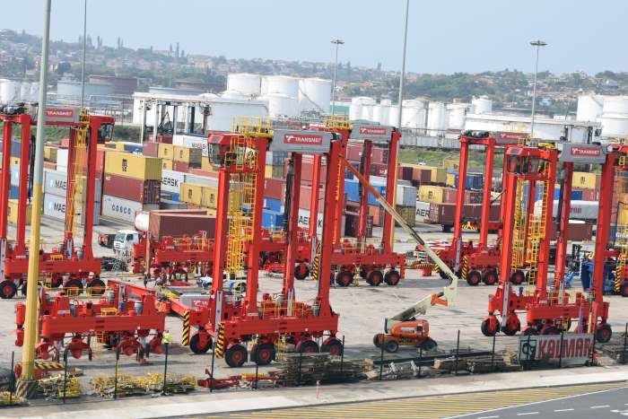New Kalmar straddle carriers at Durban Container Terminal. Picture: TPT, featured in Africa PORTS & SHIPS maritime news