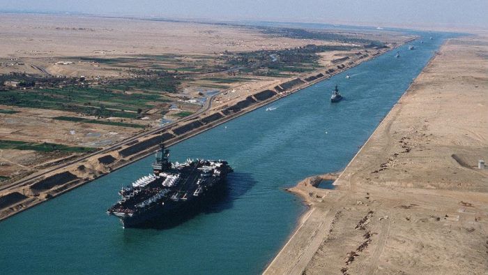 Suez Canal, featuringin Africa PORTS & SHIPS maritime news