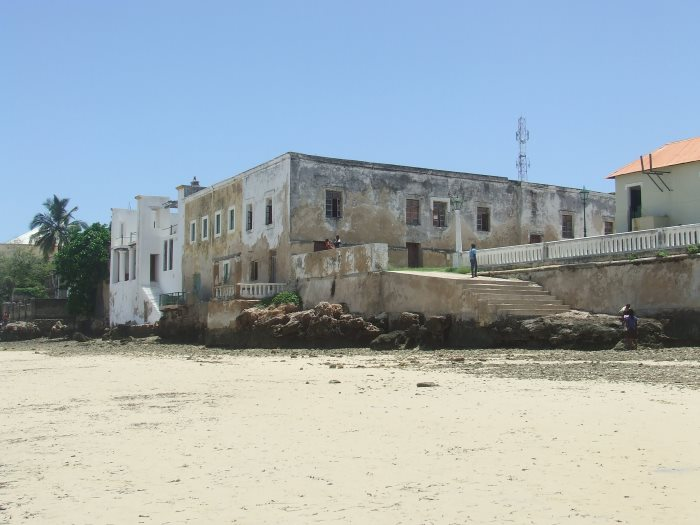 Exposed property on a beach at Ilha de Mocambique. Picture Terry Hutson, featured in Africa PORTS & SHIPS maritime news