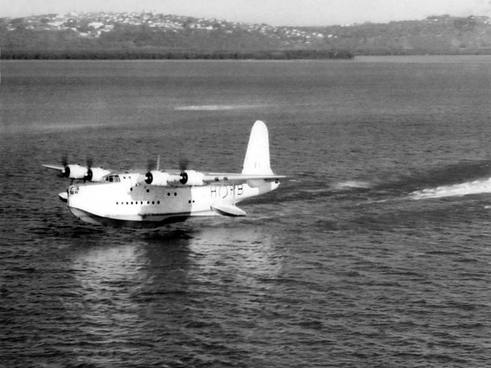 SAAF Sunderland on Durban Bay circa 1950s, featured in Africa PORTS & SHIPS maritime news