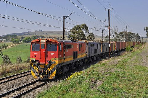 South African container train in KZN. Picture courtesy: Charles Baker, eaturing in Africa PORTS & SHIPS maritime news