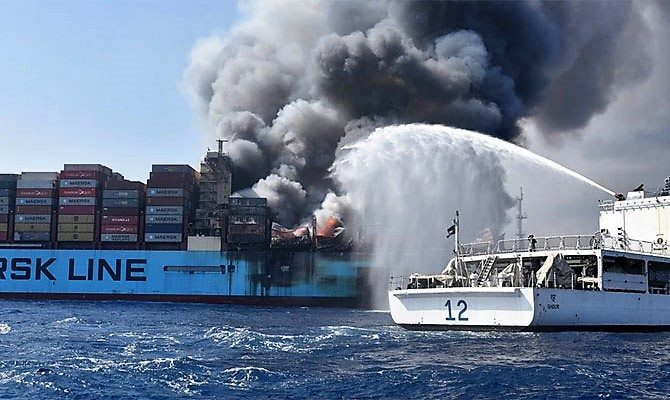 Fighting the fire on board Maersk Honam, featured in Africa PORTS & SHIPS maritime news