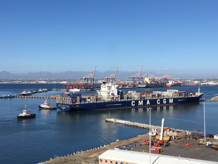 CMA CGM Samson aground in Cape Town harbour. Pictures courtesy: TNPA, featured in Africa PORTS & SHIPS maritime news
