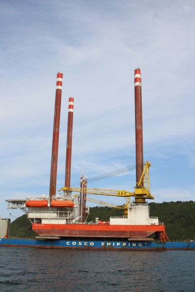 Tai An Kou + Milaha Explorer. Pictures: Keith Betts, featured in Africa PORTS & SHIPS maritime news