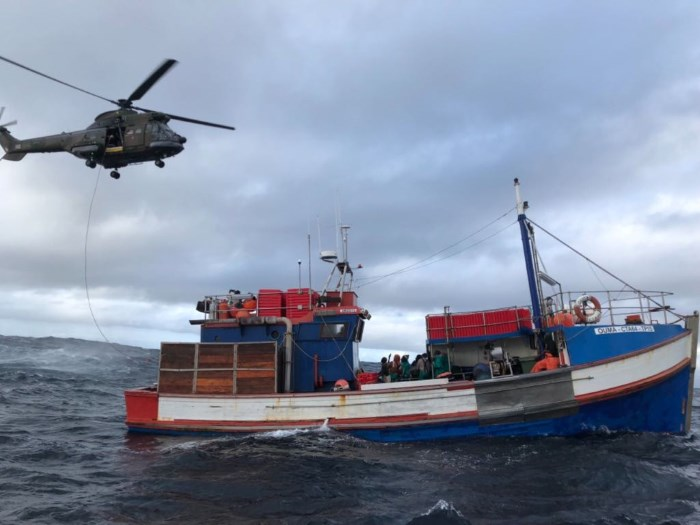 SAAF Oryx helicopter airlifting patient from trawler off Cape coast.  Picture:  courtesy NSRI Hout Bay,  in a report featured in Africa PORTS & SHIPS maritime news