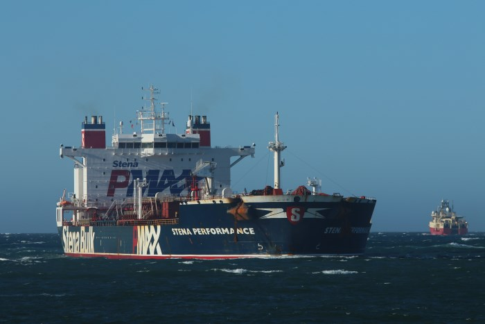 Stena Performance approaching Durban, by Kieth Betts, appearing in Africa PORTS & SHIPS maritime news