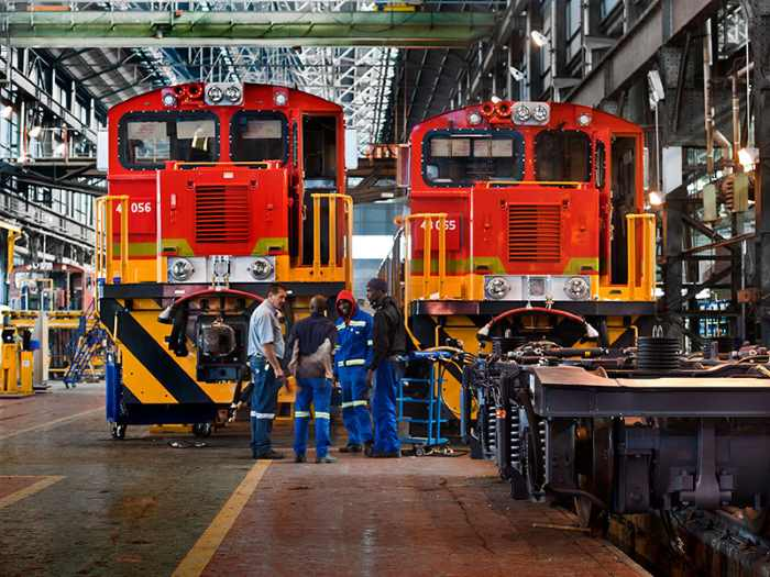 TFR class 44 locos at the Transnet workshops, appearing in Africa PORTS & SHIPS maritime news