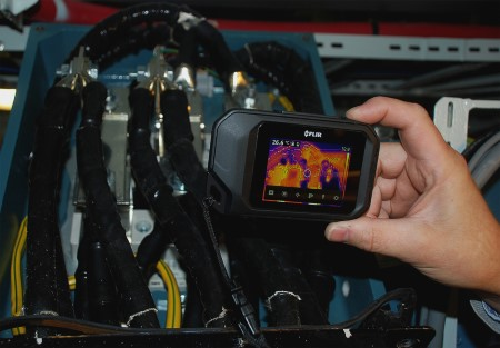 Verifying the conditions of the terminations by thermography. Pictures: DNV GL, as featured in articlke in Africa PORTS & SHIPS maritime news