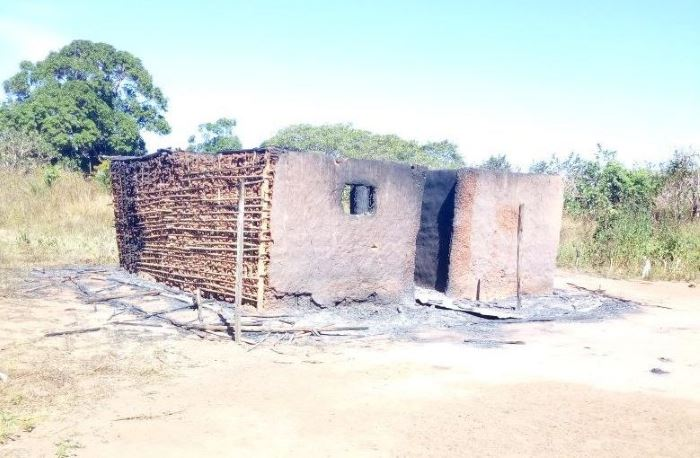 Burned-out house at Nathuko. Picture: Ntatenda and Pinnacle News, featured in report carried by Africa PORTS & SHIPS maritime newst