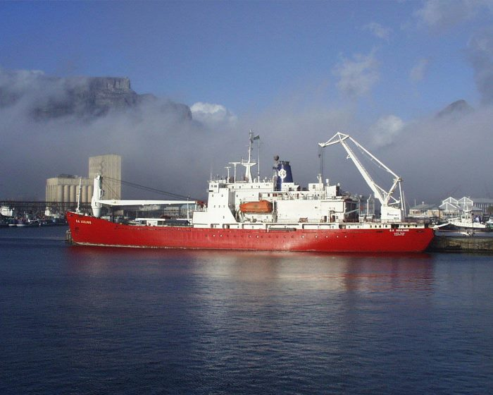 SA Agulhas in Cape Town, appearing in Africa PORTS & SHIPS maritime news