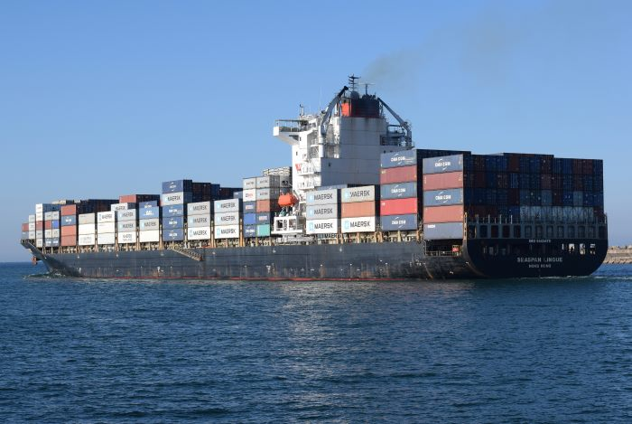 Seaspan Lingue departing from Durban. Picture: Trevor Jones, appearing in Afria PORTS & SHIPS maritime news