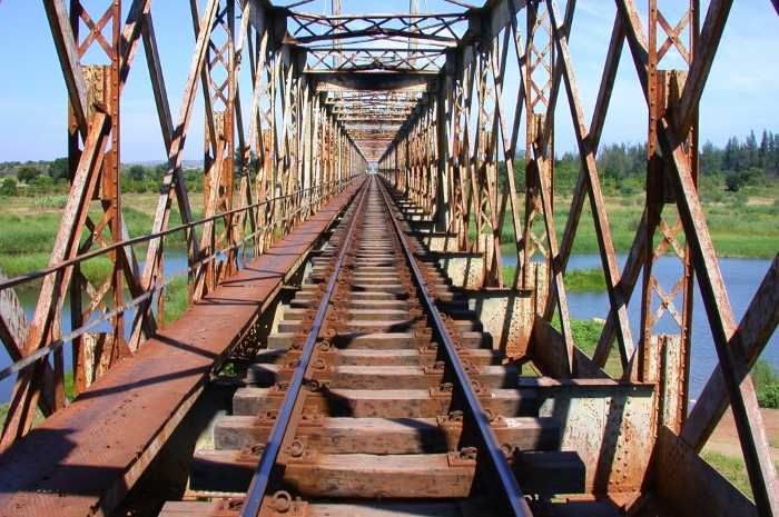 The Umbeluzi bridge on the Goba line, from a feature appearing in Africa PORTS & SHIPS maritime news
