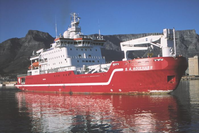 SA Agulhas II in Cape Town harbour. Picture: Ian Shiffman.  Appearing in Africa PORTS & SHIPS maritime news