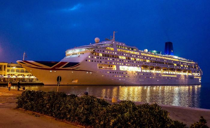 P&O Cruises' Oriana, featured i Africa PORTS & SHIPS maritime news. Picture by Antonio/Wikipedia