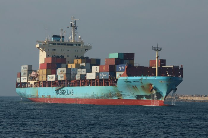 Maersk Varna in Africa PORTS & SHIPS maritime news, picture by Keith Betts