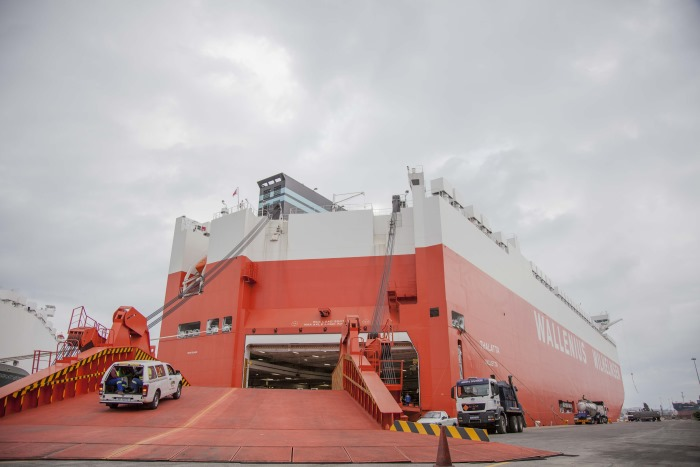 Car carrier Thalatta, appearing in Africa PORTS & SHPS maritime news