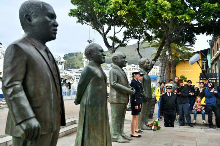 Paying a tribute to the late Presient Nelson Mandela at the Nobel Peace Prize Garden at Cape Town's V&A Waterfront. Picture: SAMSA, featured in Africa PORTS & SHIPS maritime news
