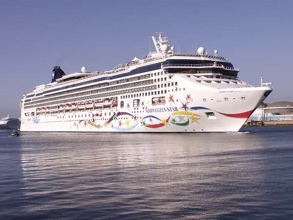 NCL's Norwegian Star, appearing in Africa PORTS & SHIPS maritime news