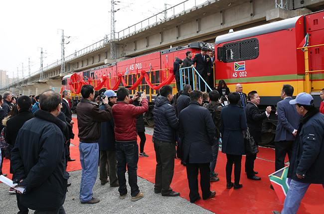 The first two class 45 diesel locomotives shown here rolling out at the CRRC factory in Dalian, China in March 2016. The order for this clas totals 232, of which 20 are supposed to be built in China with the rest built in Durban. All 232 are to have been delivered by 2019, fatured in Africa PORTS & SHIPS maritime news
