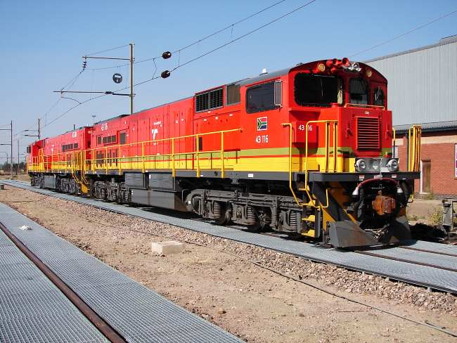 Class 43 GE-type locomotives of the TFR. Picture by Col Andre Kritzinger.Wikipedia Commons, featured in Africa PORTS & SHIPS maritime news