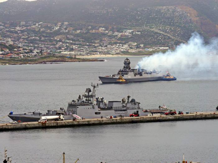 P1290379b: INS Kolkata (D63) approaching Simon's Town with naval tugs ZSWL Imvubu and ZSXK Inyathi attending, featured in Africa PORTS & SHIPS maritime news, picture by David Erickson