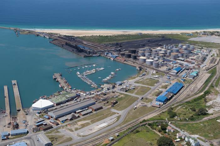 PE Tank Farm and port, appearing in Africa PORTS & SHIPS maritime news