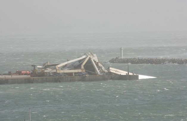 STS gantry crane collapsed at Port Elizabeth