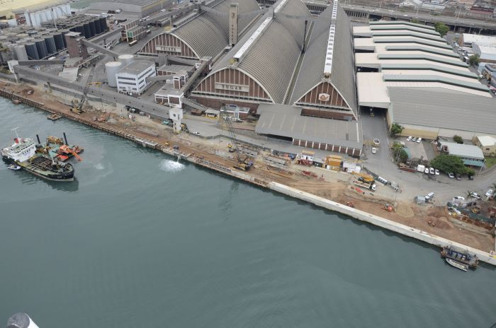 """Maydon Wharf opposite the sugar terminal. Picture is by Chris Hoare / <a href=""""http://www.aerialphotosetc.co.za""""> www.aerialphotosetc.co.za</a>, featured in Africa PORTS & SHIPS maritime news"""