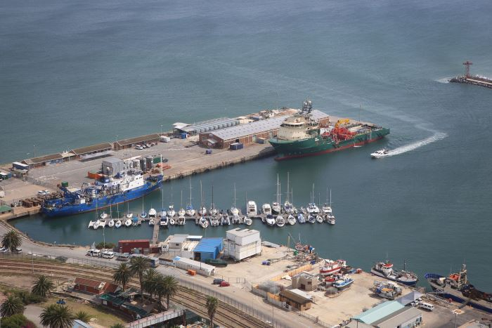 Mossel Bay Yacht Club mooring area, featured in Africa PORTS & SHIPS maritime news