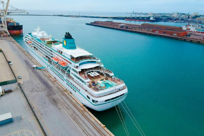 MS Amadea in the Port of PE, featured in Africa PORTS & SHIPS maritime news