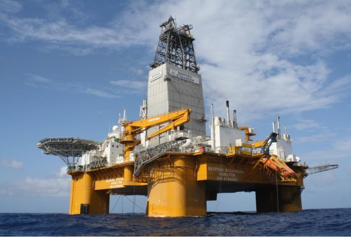 Odfjell Deep Stavanger, now on her way to drill off Mossel Bay, reported in Africa PORTS & SHIPS maritime news