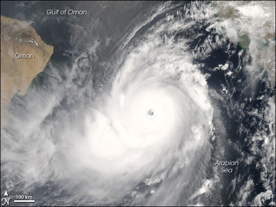Cyclone Gonu, June 2007 off the coast of Oman, featured in Africa PORTS & SHIPS maritime news