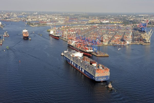 Germany's Port of Hamburg, featured in report in Africa PORTS & SHIPS