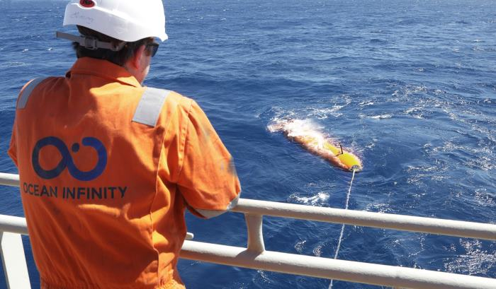 Recovering one of the AUVs used to discover the missing bulker. Picture: Ocean Infinity, featured in Africa PORTS & SHIPS