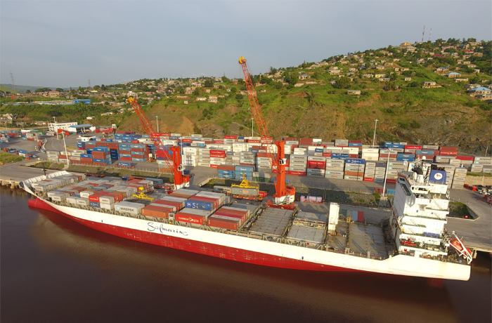 The 2,500-TEU Safmarine Nuba alongside at the Matadi Gateway Terminal which is progressively facilitating larger vessel calls and unlocking the associated scale economies, featuring in Africa PORTS & SHIPS