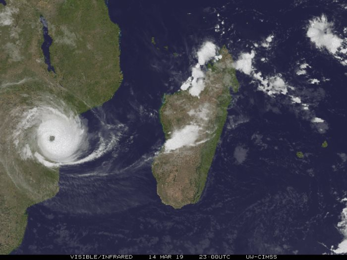 Cyclone Idai comes ashore near Beira, losses of life reported