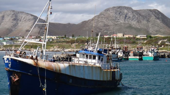 Gansbaai fishing harbour, featured in Africa PORTS & SHIPS maritime news online