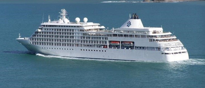 Silver Whisper at Lyttelton, New Zealand.     Picture by Alan Calvert, featured in Africa PORTS & SHIPS maritime news