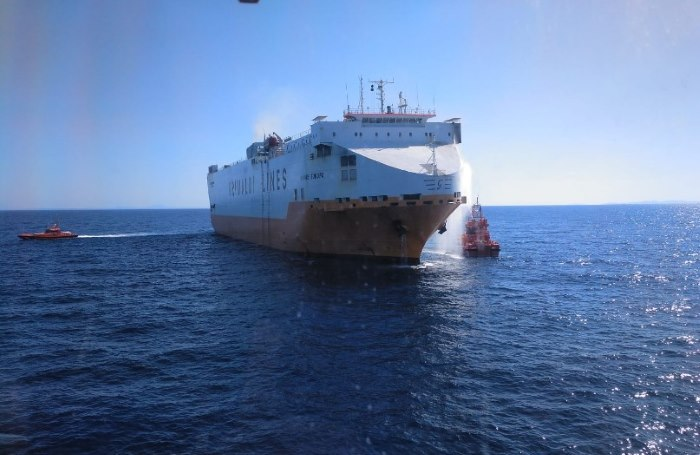 Grande Europa. Picture: courtesy Salvamento Maritimo, featured in Africa PORTS & SHIPS maritime news online