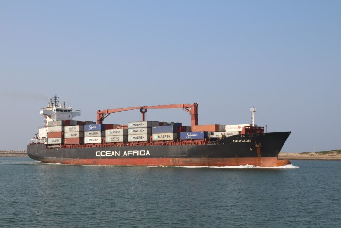 Ocean Africa's Horizon arriving at Durban, by Keith Betts, featured in Africa PORTS & SHIPS maritime news online